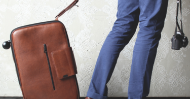iby6 Leather Wheeled Suitcase