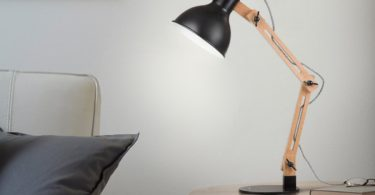 Tomons DL1001B Wood Swing Arm Desk Lamp