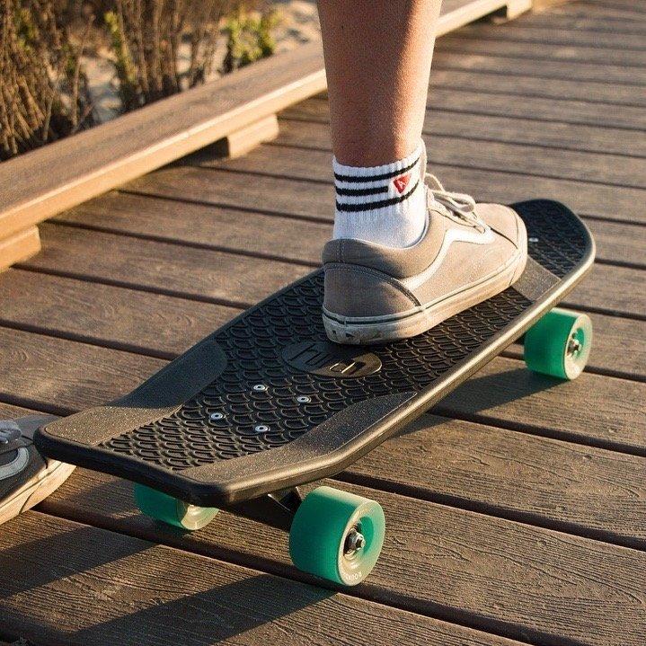 Ahi Performance Cruiser Skateboard