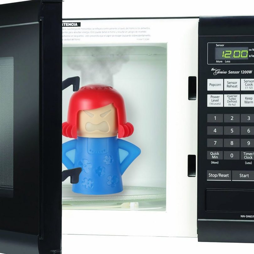 how to clean a microwave fast