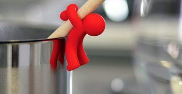 Spoon Saver – Hug Doug Silicone Spoon Saver