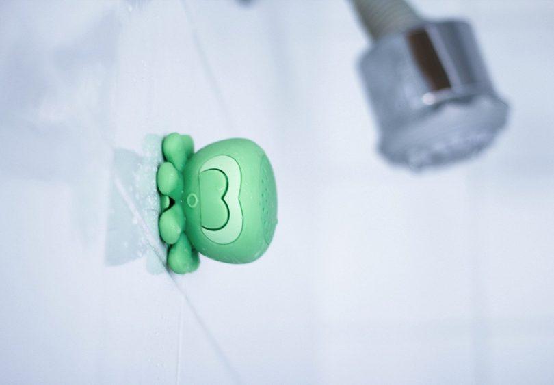 "On Hand Creature Speaker, ""Ringo"" Green Octopus Shower"