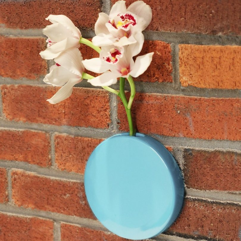 Chive – Round, 6″ Wall Mounted Ceramic Flower Vase