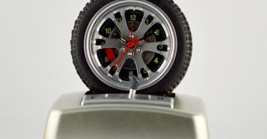 Rotating Tire Alarm Clock With Real V8 Engine Sound
