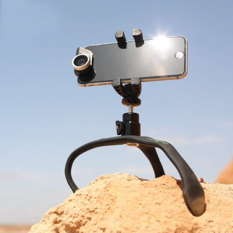 The GekkoXL Flexible Tripod for DSLR Cameras, Smartphones and GoPro