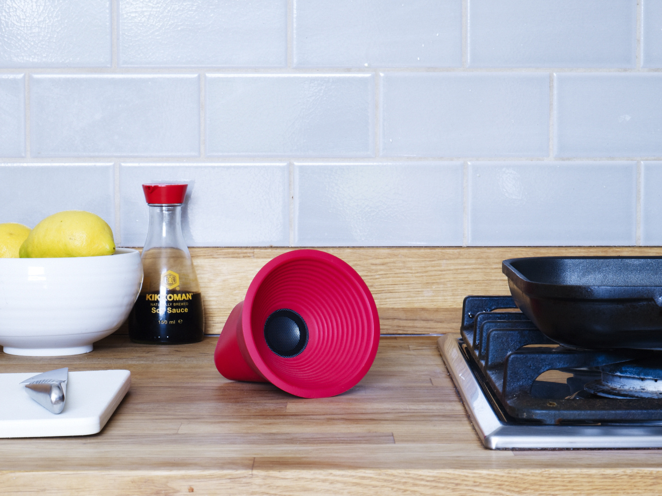 KAKKOii: WOW Bluetooth Portable Speaker