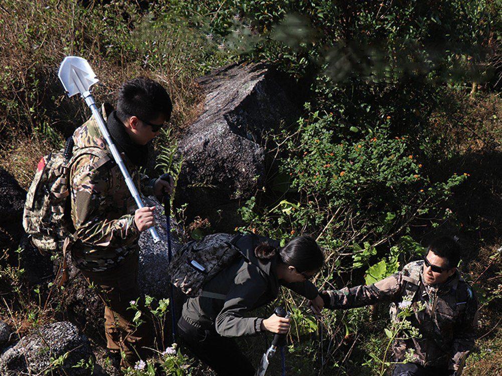 Alisaouse Military Folding Shovel