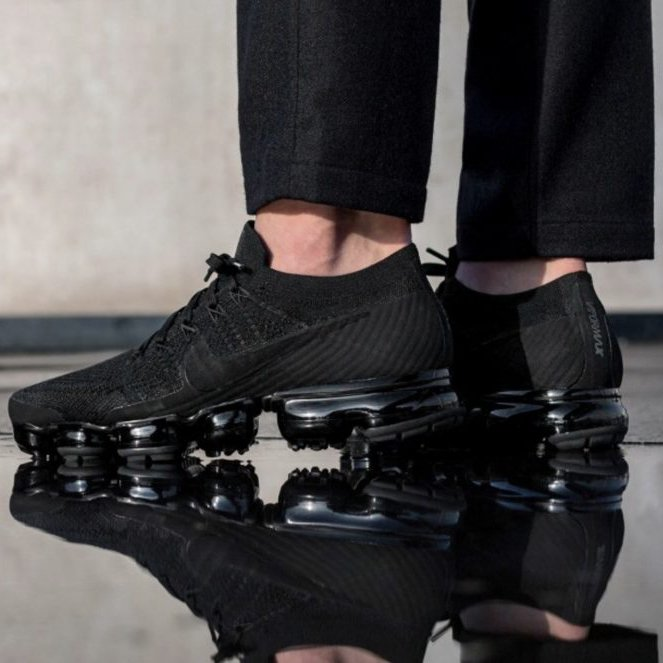 Air VaporMax Triple Black 3.0