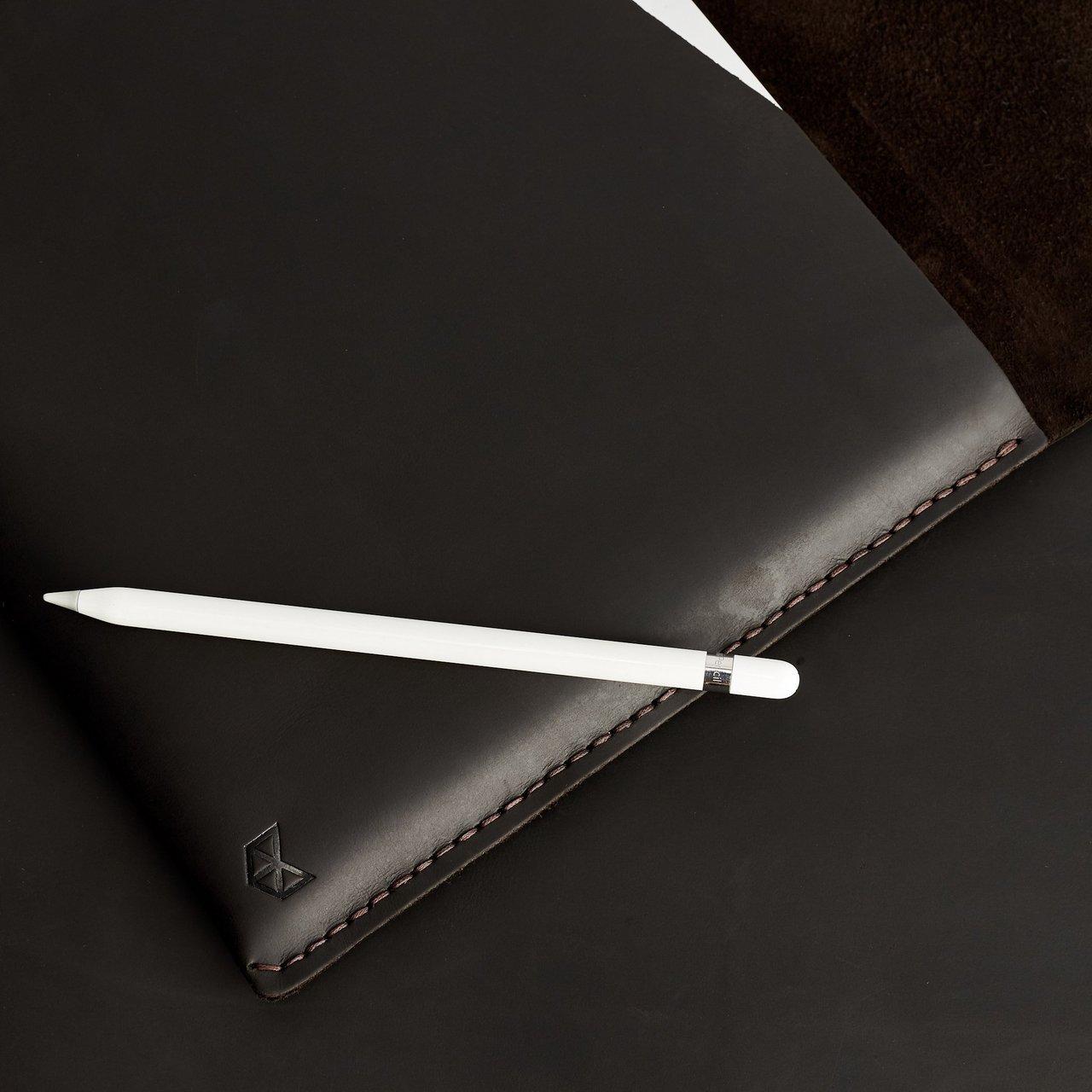 Marron Leather Draftsman 2 iPad Case