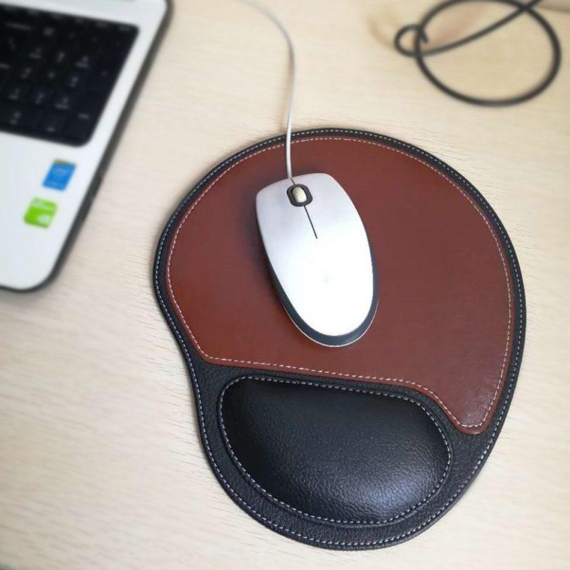 Fosinz Ergonomic Leather Mouse Pad