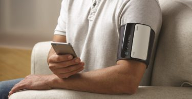 Omron Evolv Bluetooth Wireless Upper Arm Blood Pressure Monitor