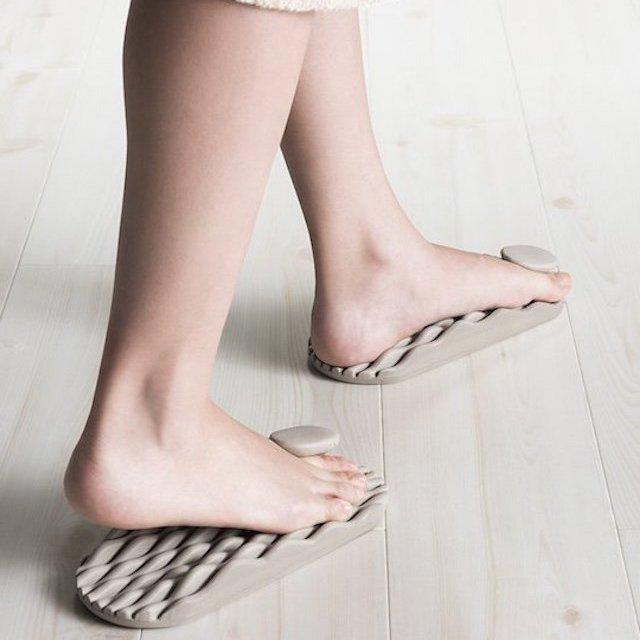 Tsubo Fit Massage Slippers