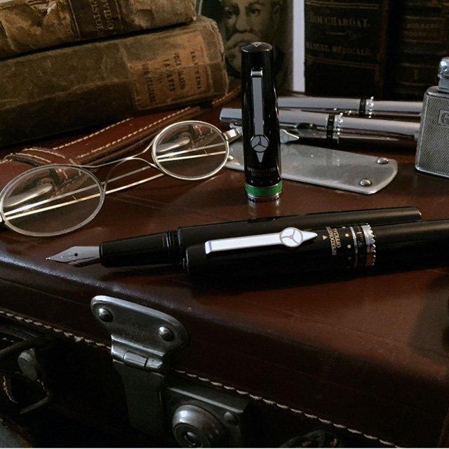 Speedometer Black Fountain Pen