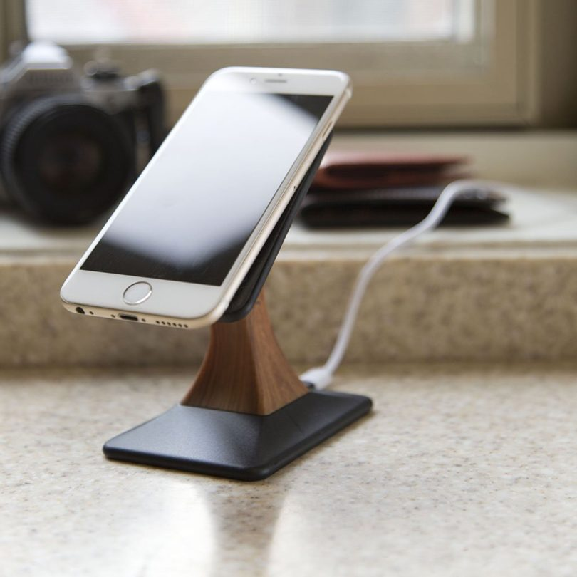Wallor Wireless Fast Charging Stand