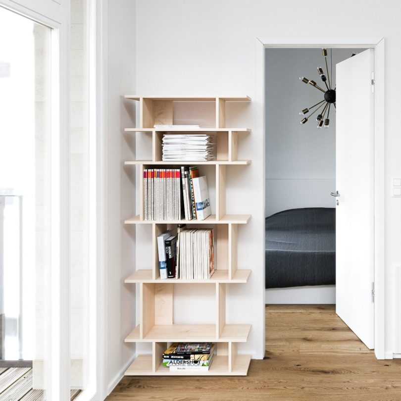 Natural Slant Bookshelf by Tylko
