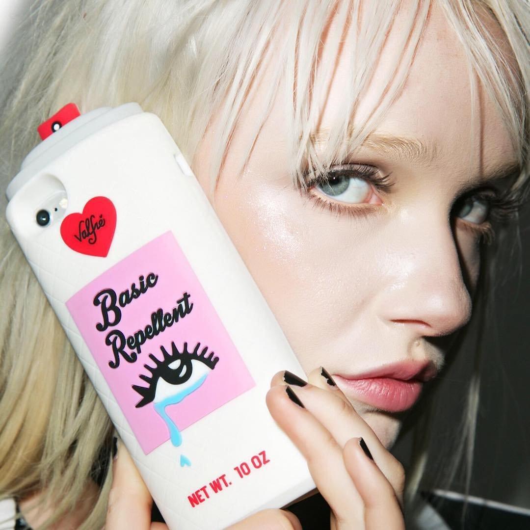 Basic Repellent 3D iPhone Case