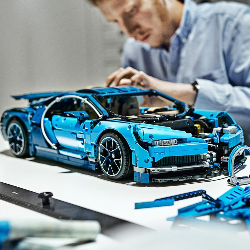 lego technic bugatti chiron petagadget. Black Bedroom Furniture Sets. Home Design Ideas
