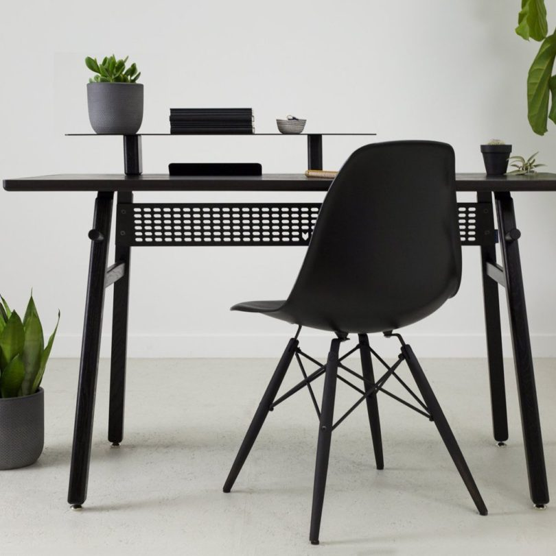 Desk 02 Black edition by ARTIFOX