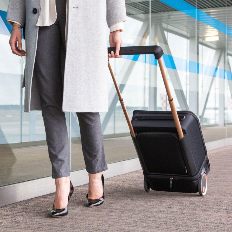 XTEND Smart Extendable Suitcase
