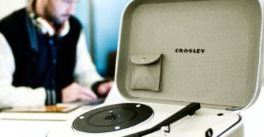Crosley CR8016 Messenger Turntable
