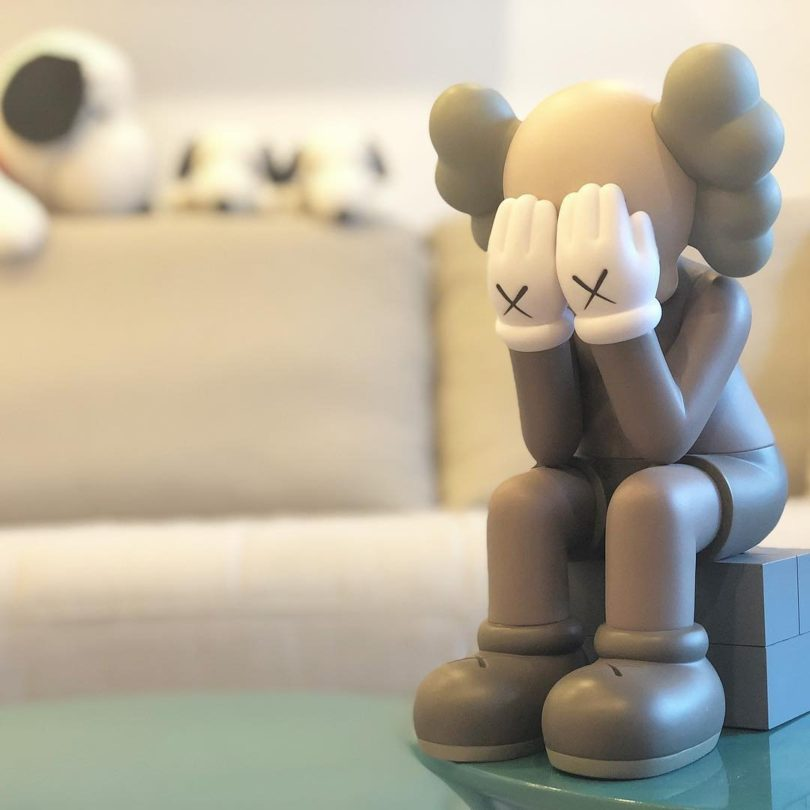 Kaws Passing Through Open Edition Vinyl Figure 187 Petagadget