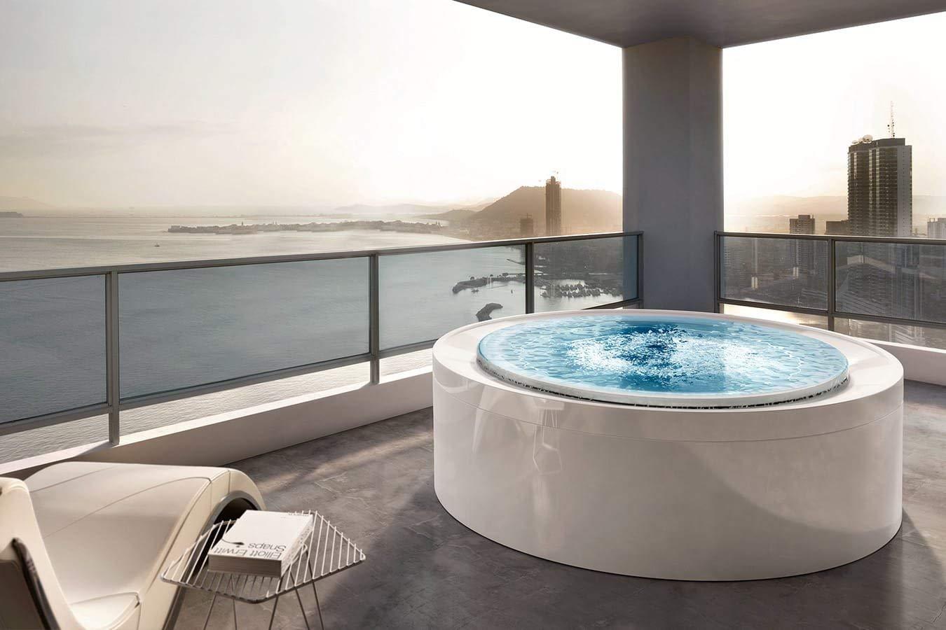 Fusion 200 Whirlpool Bathtub