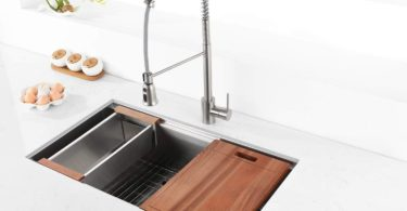 Ruvati 32-inch Workstation Ledge Undermount 16 Gauge Stainless Steel Kitchen Sink Single Bowl
