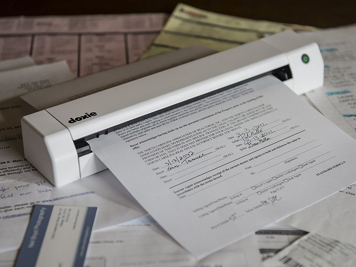 Doxie Go SE – The Intuitive Portable Scanner with Rechargeable Battery and Amazing Software