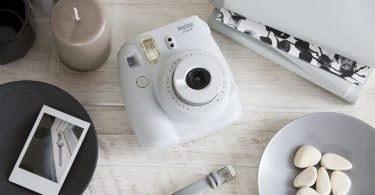 Fujifilm Instax Mini 9 Instant Camera – Smokey White
