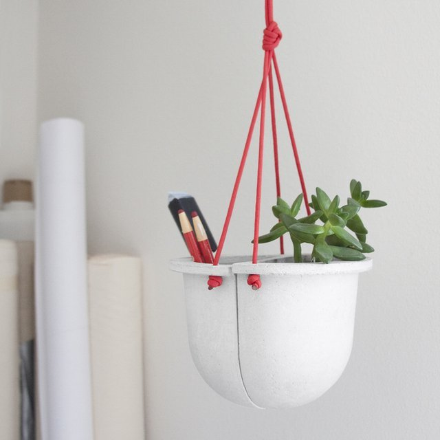 Concrete Hanging Vessel