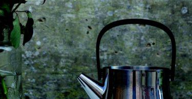 Ron Teapot w/ Strainer