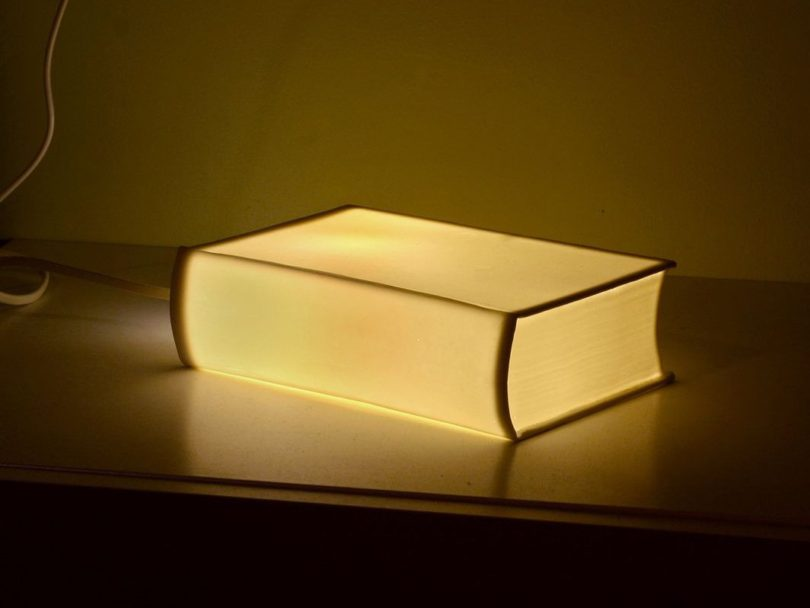 Porcelain BookLamp by Bergontwerp