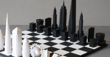New York vs London Skyline Chess Set
