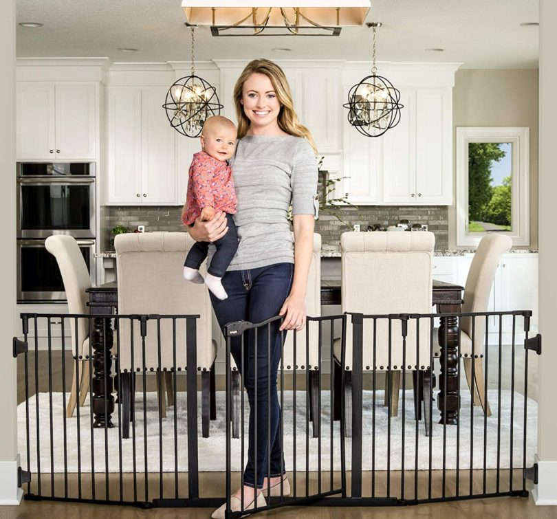 Regalo Deluxe Home Décor 74-Inch Super Wide Metal Configurable Baby Gate