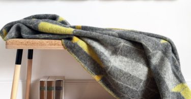 Icelandic Wool Large Harpa Blanket Vibrant yellow