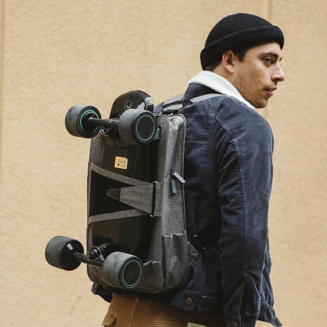 WALNUTT SPECTRA Pro Smart E-Skateboard & Backpack