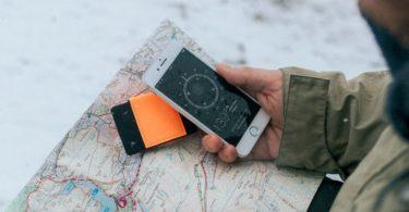TROVE Reflex Wallet: Orange Fluro