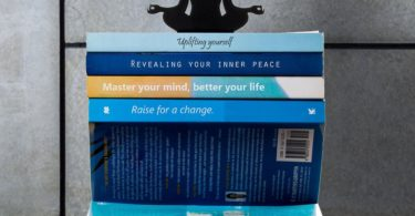 Levitation Book Stacker
