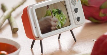 Retro Style TV Smart Phone Dock