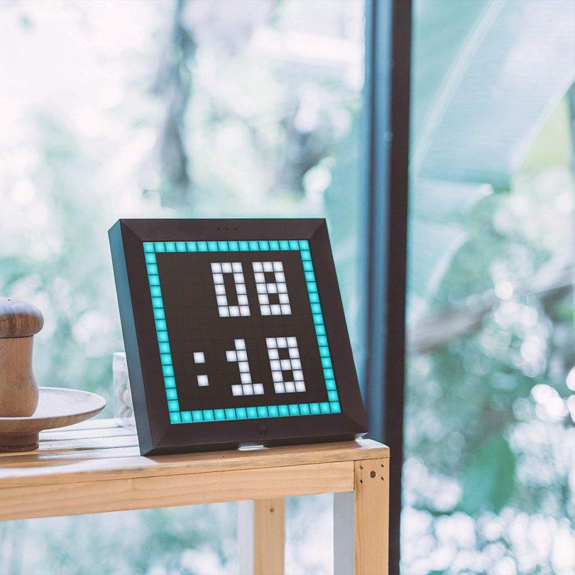 Divoom Pixoo Rechargable Digital Pixel Frame