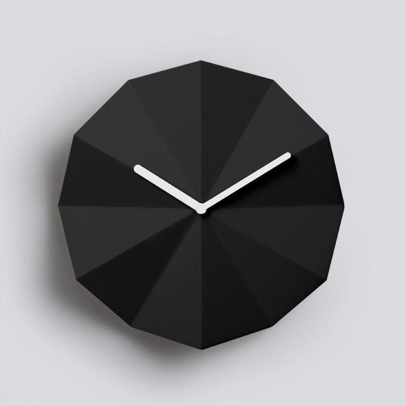 Delta Clock Black