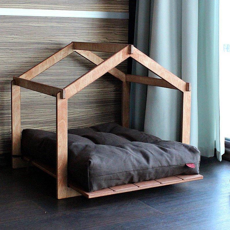 Skeleton Lounge Dog House