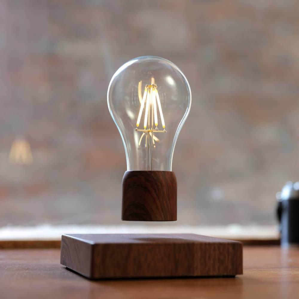 PÆR Levitating Light Bulb