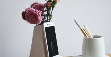 STAK Bloom Phone Vase