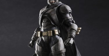 Batman v Superman Armored Batman Play Arts Kai Action Figure