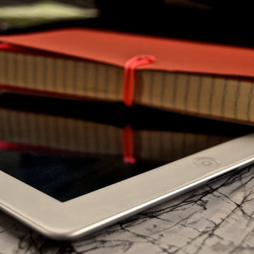 Discreet Tempered Glass iPad Film