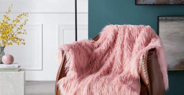 Ojia Super Soft Fuzzy Shaggy Mongolian Lamb Faux Fur Throw Blanket