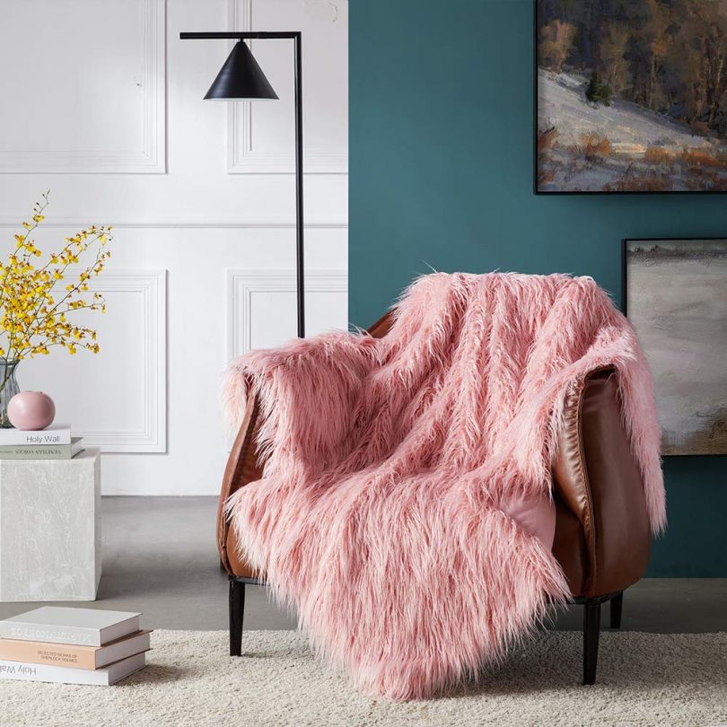 Ojia Super Soft Fuzzy Shaggy Mongolian Lamb Faux Fur Throw Blanket