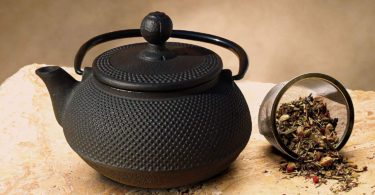Old Dutch Cast Iron Sapporo Teapot