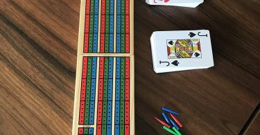 YH Poker Traditional Wooden Cribbage Board Game Set